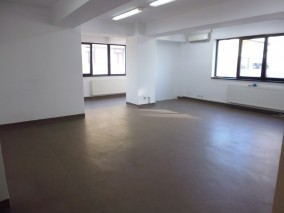 Apartment for rent 3 rooms Baneasa area, Bucharest 147 sqm