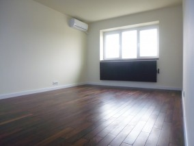 Apartament de vanzare 4 camere zona Baneasa, Bucuresti 105 mp