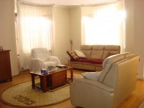 Casa de vanzare 8 camere zona Otopeni 377 mp