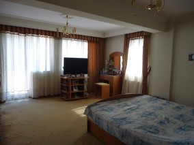 Vila de inchiriat 12 camere zona Baneasa, Bucuresti 800 mp