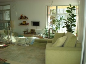Villa for sale 10 rooms Otopeni area 1200 sqm