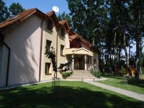 Villa for sale 11 rooms Baneasa-Pipera area 730 sqm