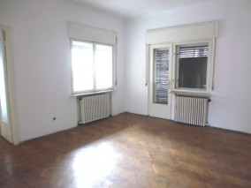 Villa for sale 9 rooms Unirii area, Bucharest 709 sqm