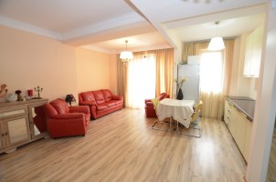 Apartament de vanzare 3 camere zona Herastrau, Bucuresti 100 mp