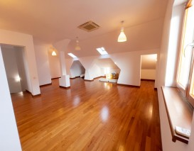 Villa for rent 5 rooms Pipera area, Bucharest