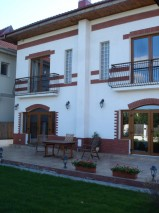 Villa for rent 6 rooms Baneasa area, Bucharest 500 sqm