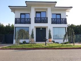 Vila de vanzare 5 camere zona Corbeanca, Ilfov 300 mp