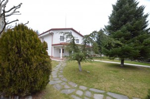 Villa for sale 7 rooms Otopeni - Ferme area, Bucharest 438 sqm