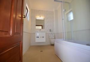Vila duplex de vanzare 5 camere zona Pipera-Voluntari, Ilfov 210 mp