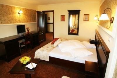 Hotel 4 stele - PIATRA CRAIULUI—BRASOV