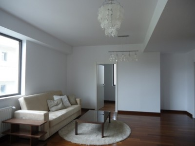 Apartament de inchiriat 3 camere zona Herastrau, Bucuresti 100 mp