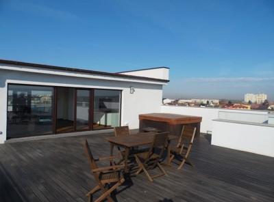 Apartament de inchiriat 4 camere tip duplex zona Straulesti