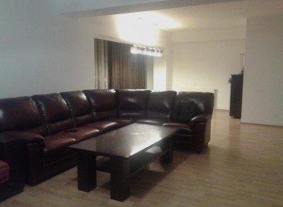 Apartament de inchiriat 4 camere zona Aviatiei, Bucuresti 200 mp