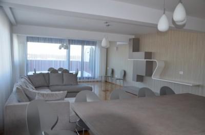 Apartament de inchiriat 4 camere zona Gheorghe Ionescu Sisesti
