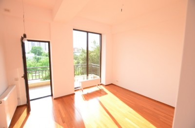 Apartament de vanzare 2 camere zona Drumul Taberei, Bucuresti 78 mp