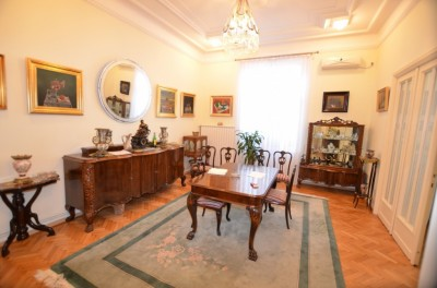 Apartment for sale 5 rooms Unirii area, Bucharest 240 sqm