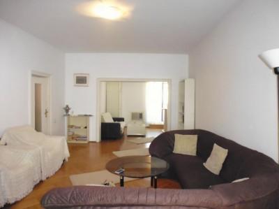 Apartament de vanzare in vila 3 camere zona Armeneasca, Bucuresti 110 mp