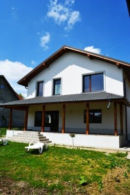 House for sale 4 rooms Otopeni area 250 sqm
