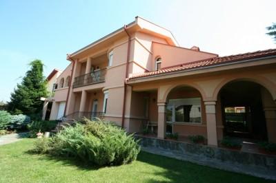Casa de vanzare 6 camere zona Pipera, Bucuresti 300 mp