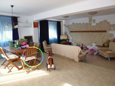 Casa de vanzare 8 camere zona Otopeni