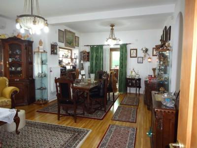 Casa de vanzare Bucuresti 6 camere zona Straulesti 250 mp