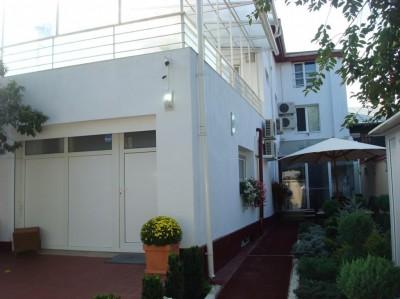 Clinica de vanzare 6 camere zona Dacia-Polona, Bucuresti 260 mp