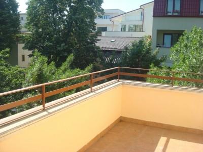 Vila de inchiriat 4 camere Bucuresti zona Domenii