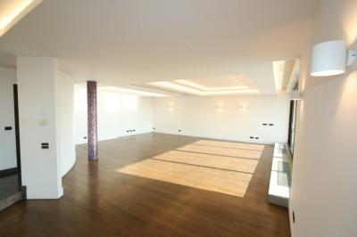Penthouse de vanzare Bucuresti 4 camere zona Nordului 504 mp
