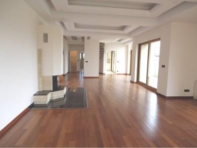Apartament de vanzare 4 camere Bucuresti zona Primaverii