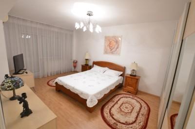 Apartament de inchiriat 2 camere zona Unirii, Bucuresti 80 mp
