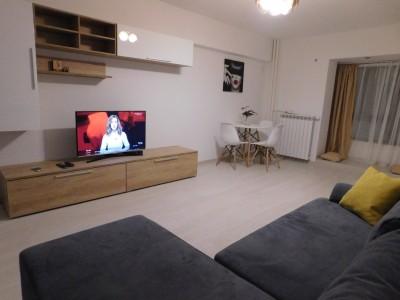 Apartament de inchiriat 2 camere zona Unirii, Bucuresti 68 mp