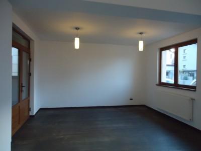 Vila de inchiriat 4 camere zona Pipera, Bucuresti 200 mp