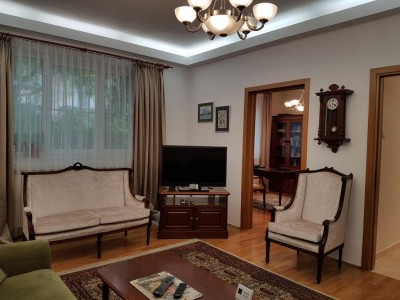 Vila de inchiriat 5 camere zona Cotroceni, Bucuresti 250 mp