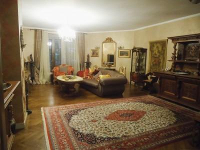 Vila de inchiriat Bucuresti 8 camere zona Polona 500 mp