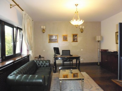 Vila de vanzare 9 camere zona Charles de Gaulle, Bucuresti 480 mp