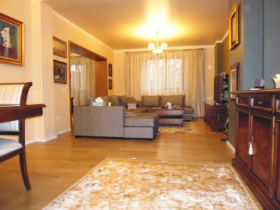 Villa for rent 9 rooms Cotroceni area, Bucharest 462 sqm