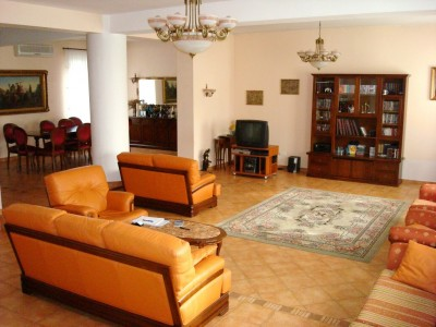 Vila de vanzare Bucuresti 5 camere zona Corbeanca 500 mp