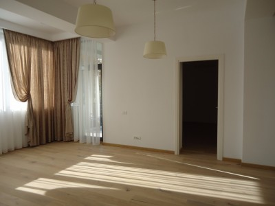 Apartment for rent 3 rooms Aviatiei area, Bucharest