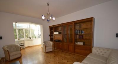 Apartament de inchiriat 3 camere zona Piata Romana, Bucuresti 90 mp