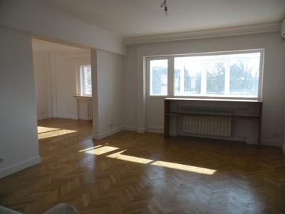 Apartament de inchiriat 3 camere zona Piata Victoriei, Bucuresti 93 mp