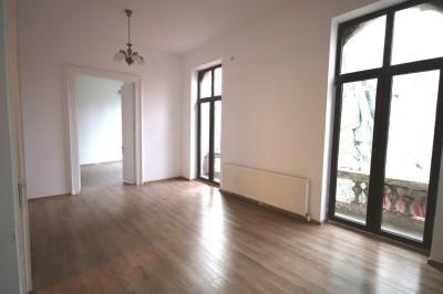 Apartament de inchiriat 5 camere zona Carol– Rosetti, Bucuresti 180 mp