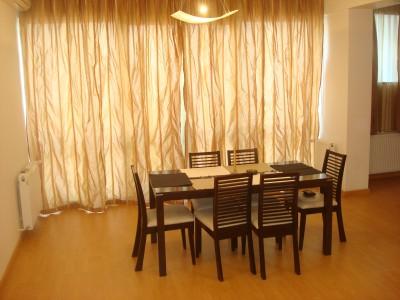 Apartament de vanzare 2 camere zona Arcul de Triumf - Parcul Herastrau, Bucuresti 100 mp