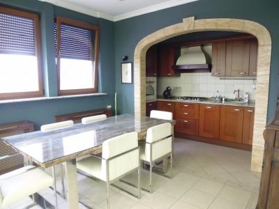 Apartament de vanzare 2 camere zona Barbu Vacarescu-Lacul Tei, Bucuresti 140 mp