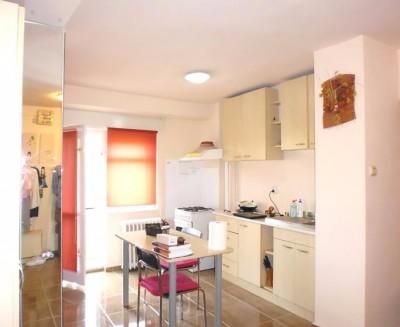 Apartament de inchiriat 2 camere zona Bdul Unirii, Bucuresti 71 mp