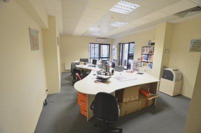 Apartament de vanzare 2 camere zona Iancu Nicolae-Pipera, Bucuresti 85 mp