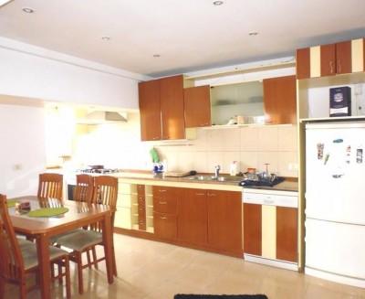 Apartament de vanzare 2 camere zona Piata Unirii, Bucuresti 93 mp