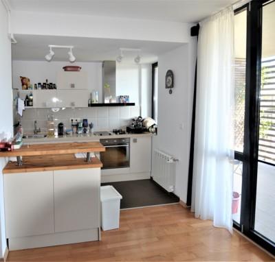 Apartament de vanzare 3 camere zona Baneasa-Vatra Noua 83 mp