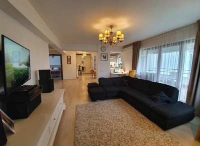 Apartament de vanzare 3 camere zona Damaroaia - Jiului, Bucuresti
