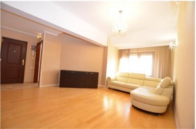 Apartament de vanzare 3 camere zona Herastrau-Nordului, Bucuresti 100 mp