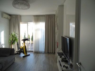 Apartament de vanzare 3 camere zona Piata Kogalniceanu 80 mp